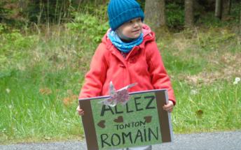 Les petits supporters sur la route de Varennes